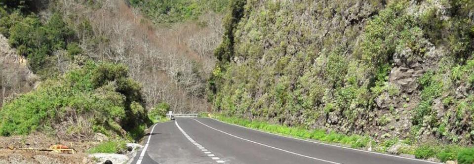 El Cabildo culmina los trabajos de prolongación de un carril de vehículos lentos en la carretera de la Cumbre