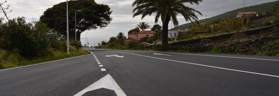 El Cabildo concluye el repavimentado de la carretera LP-2 entre Hoyo de Mazo y San Simón