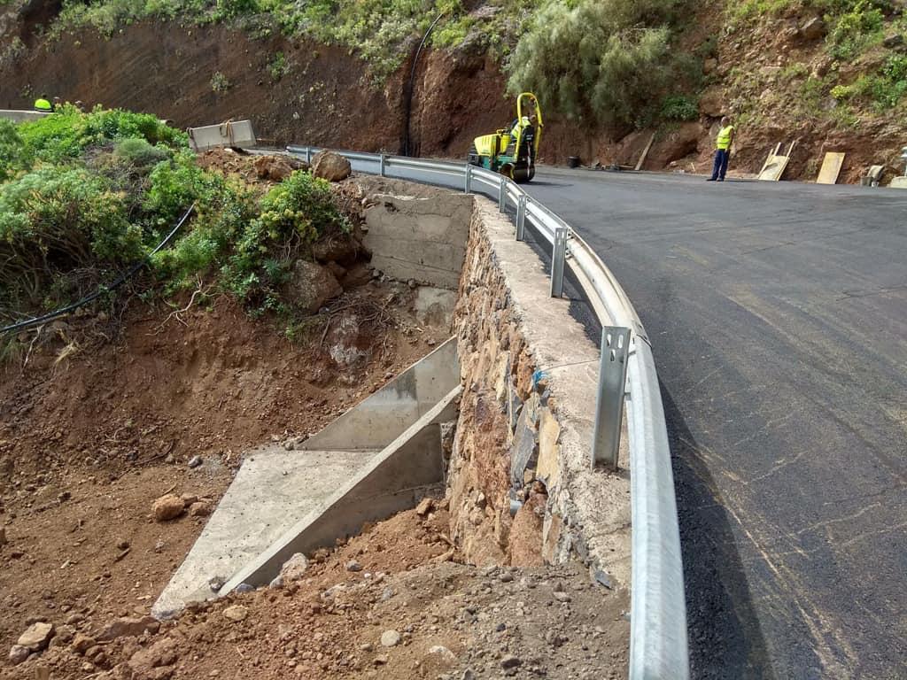 El Cabildo concluye la reposición del tramo de la carretera de la costa de Puntallana afectado por un derrumbe