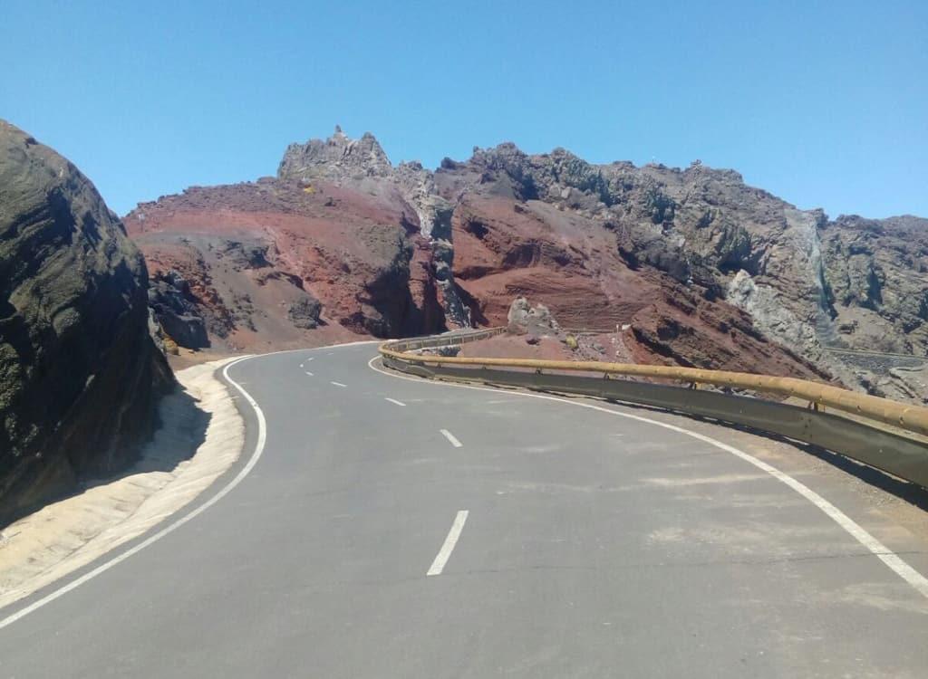 El Cabildo concluye las obras de mejora de la seguridad vial en la carretera del Roque de Los Muchachos