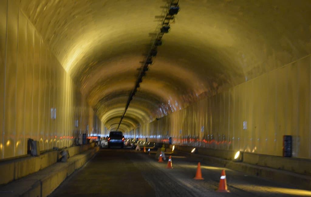 El Cabildo afronta los últimos trabajos de repavimentado y pintado del túnel viejo de la Cumbre